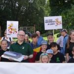 Schuetzenumzug Letter 2017 . Protestzug fuer den Erhalt der Schulschwimmhalle Letter